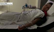 Halep nhập viện sau trận thua Wozniacki