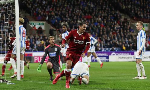 Firmino đưa Liverpool nhân đôi tỷ số vào cuối hiệp một. Ảnh:DM.