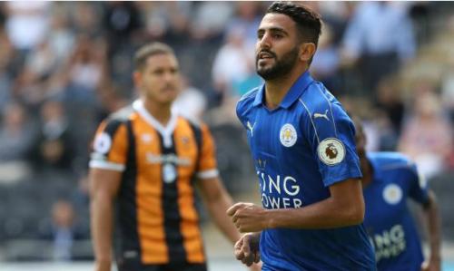 Mahrez tiếp tục thi đấu cho Leicester ở phần còn lại mùa giải. Ảnh:Reuters.