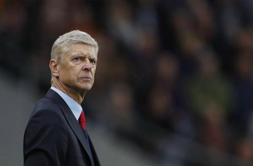 Wenger không phải người thích mua sắm cũng vung tay ở những kỳ chuyển nhượng gần đây. Ảnh:Reuters.