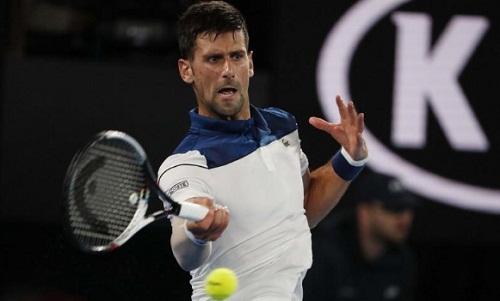 Djokovic vẫn chưa hoàn toàn bình phục chấn thương. Ảnh: Reuters.