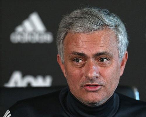 Mourinho không đánh giá cao vị thế của Man City hiện nay. Ảnh: Reuters