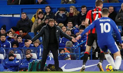 Conte phải chứng kiến Chelsea thảm bại trước Bournemouth tại Stamford Bridge. Ảnh:Reuters.
