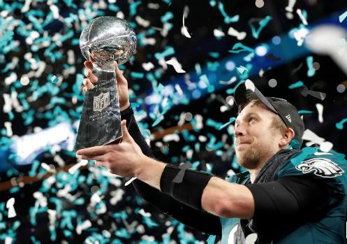 Tiền vệ Nick Foles từ vai trò đóng thế trở thành người hùng cho Philadelphia Eagles. Ảnh:Reuters.