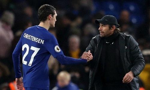 Conte khẳng định ưu tiên của Chelsea là trao cơ hội cho những cầu thủ trẻ nhưChristensen. Ảnh: Reuters.