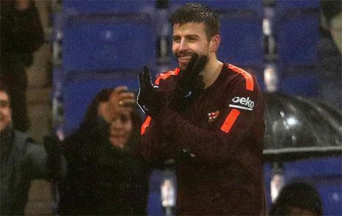 Pique cứu Barca khỏi thất bại bằng bàn gỡ. Ảnh: Marca