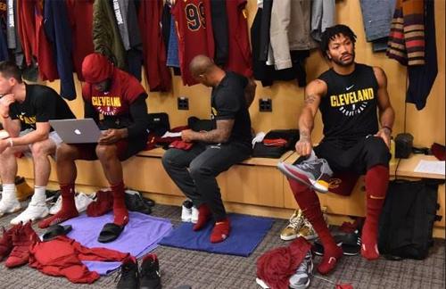 Thomas, Rose và bốn người khác bị đem trao đổi khiến phòng thay đồ Cavaliers vơi đi một nửa chỉ sau một đêm. Ảnh: NBA.