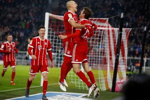 Bayern tiếp tục bay cao ở Allianz Arena. Ảnh: Reuters.