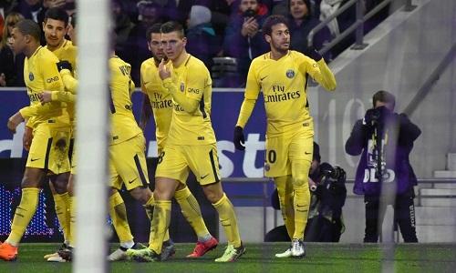 Neymar giải cứu PSG ở Toulouse. Ảnh: AFP.