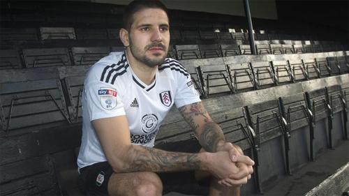 Mitrovic chấp nhận xuống chơi hạng Nhất với Fulham. Ảnh: The Times.