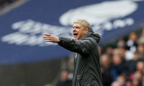 HLV Wenger không cósự bổ sung hàng thủ ở kỳ chuyển nhượng tháng 1/2018. Ảnh:Reuters.
