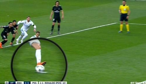 Tình huống Ronaldo thực hiện phạt đền. Ảnh: BT Sport.