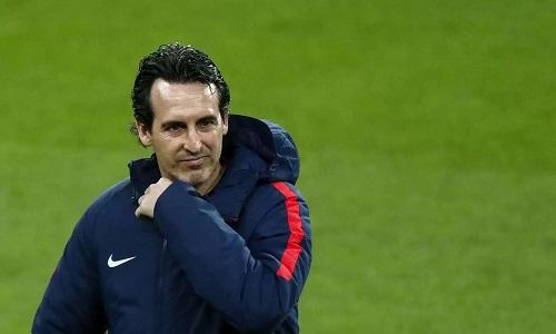 Emery không hài lòng về những quyết định của trọng tài. Ảnh: Reuters.