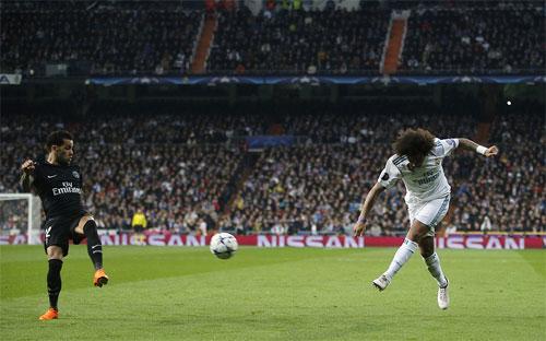 Marcelo (phải) giúp Real có lợi thế dẫn hai bàn.