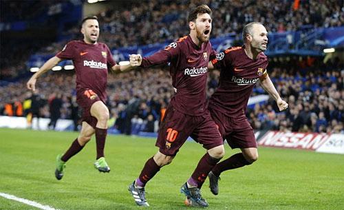 Messi có bàn đầu tiên vào lưới Chelsea trong sự nghiệp. Ảnh: Reuters
