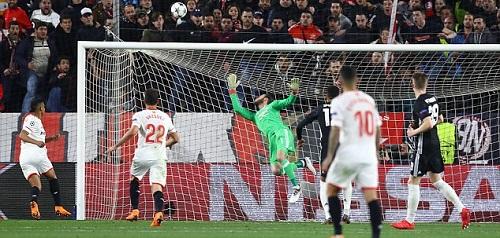 De Gea một lần nữa giải cứu Man Utd. Ảnh: BPI.