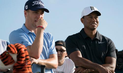 Justin Thomas thường không đạt phong độ cao khi thi đấu cùng nhóm với Tiger Woods trong thời gian gần đây.