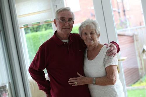 Ông Joe qua đời, còn bà Sheenagh thì nguy kịch, để lại nỗi đau giằng xé cho Steve Bruce.
