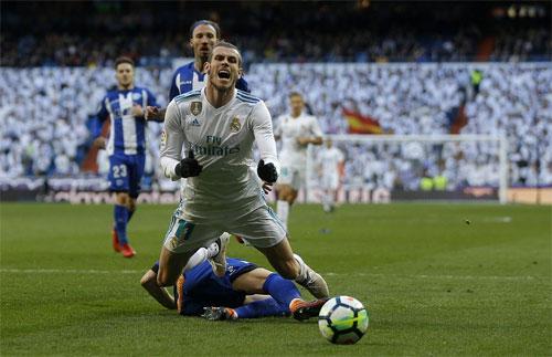 Bale đem lại một quả phạt đền cho Real.