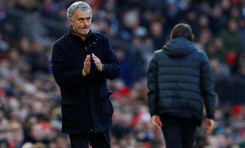 Mourinho tán dương học trò trong màn ngược dòng trước Chelsea. Ảnh: Reuters.