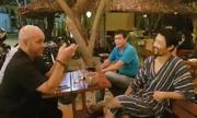 Flores được Johnny Trí Nguyễn tiếp đón ở võ đường
