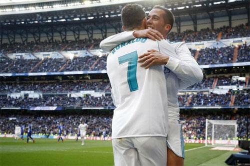 Vazquez (phải) là cầu thủ có lối chơi toàn diện bậc nhất của Real. Ảnh: Reuters