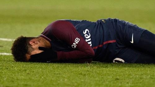 Neymar nhiều khả năng vắng mặt trong trận lượt về vòng 1/8 Champions League với Real. Ảnh: Reuters.