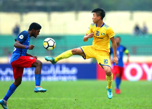 Văn Đức thi đấu nổi bật,góp công lớn giúp SLNA hạ đội bóng nhà giàu của Malaysia. Ảnh: Quang Minh