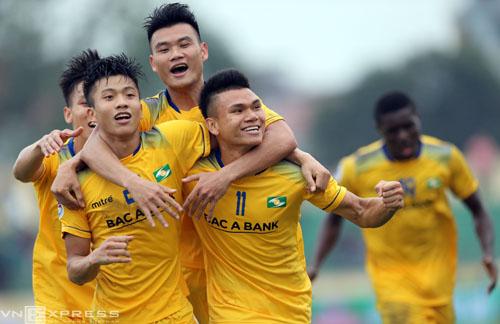 SLNA rộng cửa giành vé đi tiếp ở bảng H. Ảnh: Quang Minh