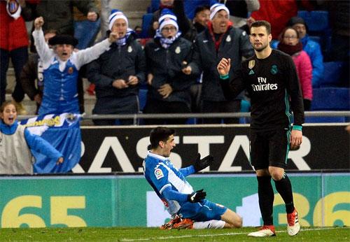 Moreno đem lại chiến thắng cho Espanyol khi trận đấu chuẩn bị khép lại. Ảnh: Reuters