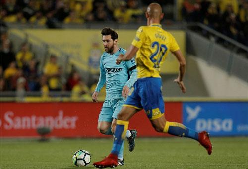 Vượt lên bằng cú sút phạt của Messi, nhưng Barca không giành được ba điểm. Ảnh: Reuters