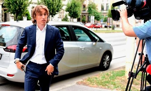 Modric tại phiên tòa ở Croatia vào tuần trước. Ảnh: Reuters.