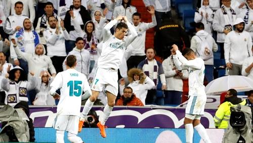 Ronaldo rất có duyên với mành lưới của các CLB Pháp. Ảnh: Reuters.