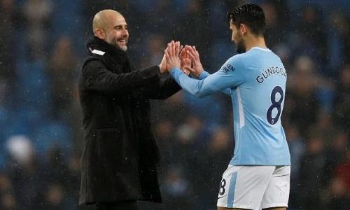 Guardiola cho rằng Man City đã kiểm soát tốt ý đồ chơi phản công của Chelsea. Ảnh: Reuters.