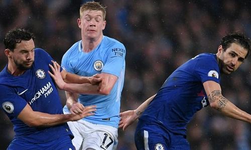 Chelsea chấp nhận chơi nhún nhường và đợi cơ hội nhưng vẫn nhận thất bại chung cuộc trước Man City. Ảnh: AFP.