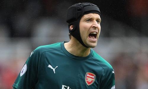 Cech đã có 199 trận giữ sạch lưới ở Ngoại hạng Anh, nhưng thủng lưới ở 11 trận gần nhất. Ảnh: SS.