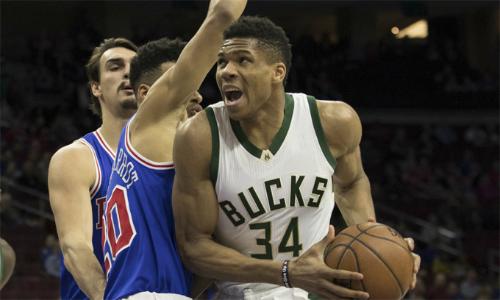 Antetokounmpo tìm lại phong độ, giúp Bucks ngắt chuỗi thua. Ảnh: Philly.
