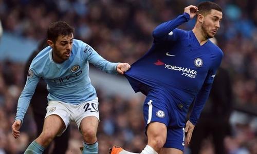 Hazard bị đói bóng khi đá tiền đạo ảo. Ảnh: Reuters.