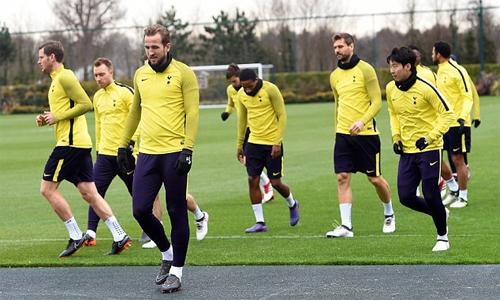 Các cầu thủ Tottenham tập luyện trước trận đấu với Juventus. Ảnh: EPA.