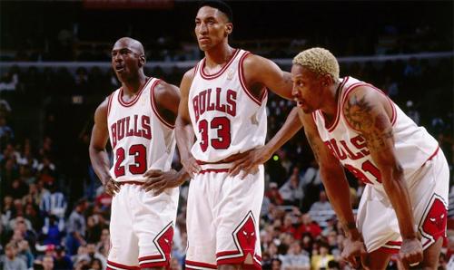 Bulls hiện tại không còn giữ được tầm vóc người khổng lồ như trong thập niên 1990, khi họ sở hữu các huyền thoại tầm cỡ Michael Jordan, Scott Pippen, Denis Rodman.
