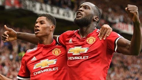 Lukaku (phải)chơi khởi sắc từ đầu năm 2018. Ảnh: Reuters.