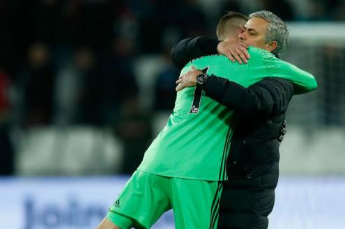 Mourinho xem De Gea như nền tảng xây dựng Man Utd.