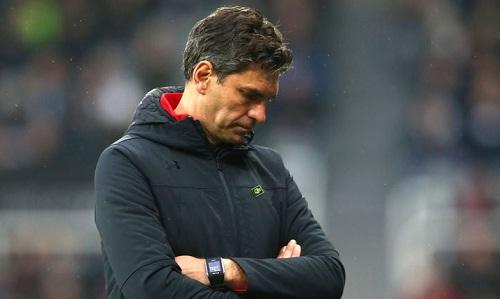 Pellegrino bị sa thải khi mùa giải chỉ còn támvòng. Ảnh: AFP.