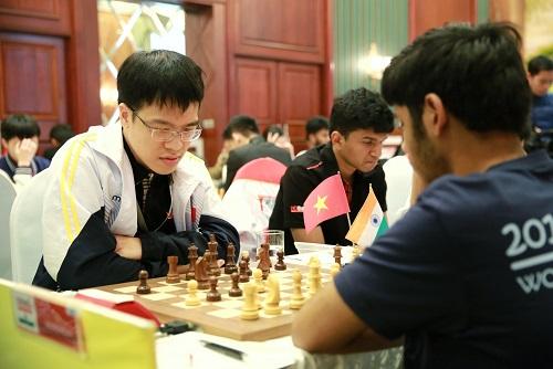 Quang Liêm có 4,5 điểm qua sáu ván. Ảnh: HDBank.