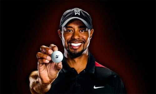 Các thương hiệu lớn như Nike mang đến nguồn thu hàng trăm triệu đôla cho Tiger Woods trong suốt những năm qua.