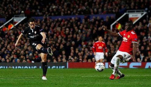 Ben Yedder lập cú đúp vào lưới Man Utd. Ảnh:Reuters.
