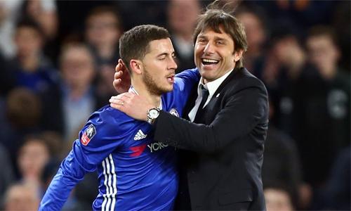 Conte có thể tiếp tục dùng Hazard ở vị trí số 9 ảo. Ảnh: EPA.