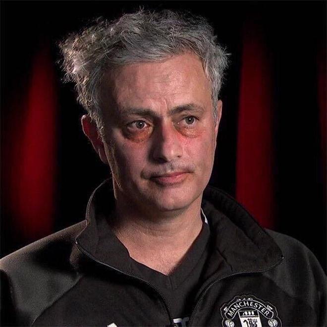 Man Utd rớt khỏi chuyến xe Champions League, Mourinho xin thêm tiền