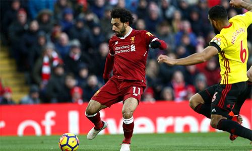 Khác với hầu hết các pha làm bàn khác, tình huống Salah mở tỷ số trước Watford được anh dứt điểm bằng chân phải không thuận. Ảnh: AFP.