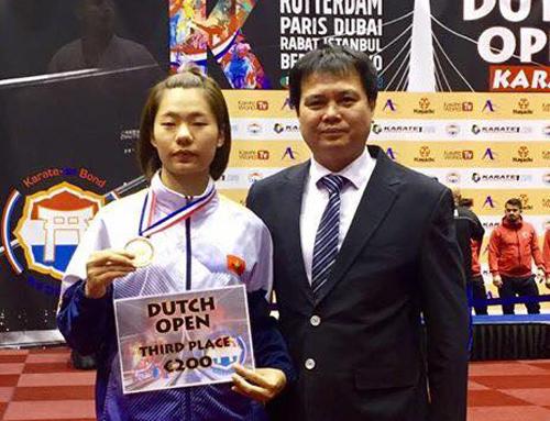 Nguyễn Thị Ngoan mở hàng huy chương cho Karate Việt Nam trong năm 2018.